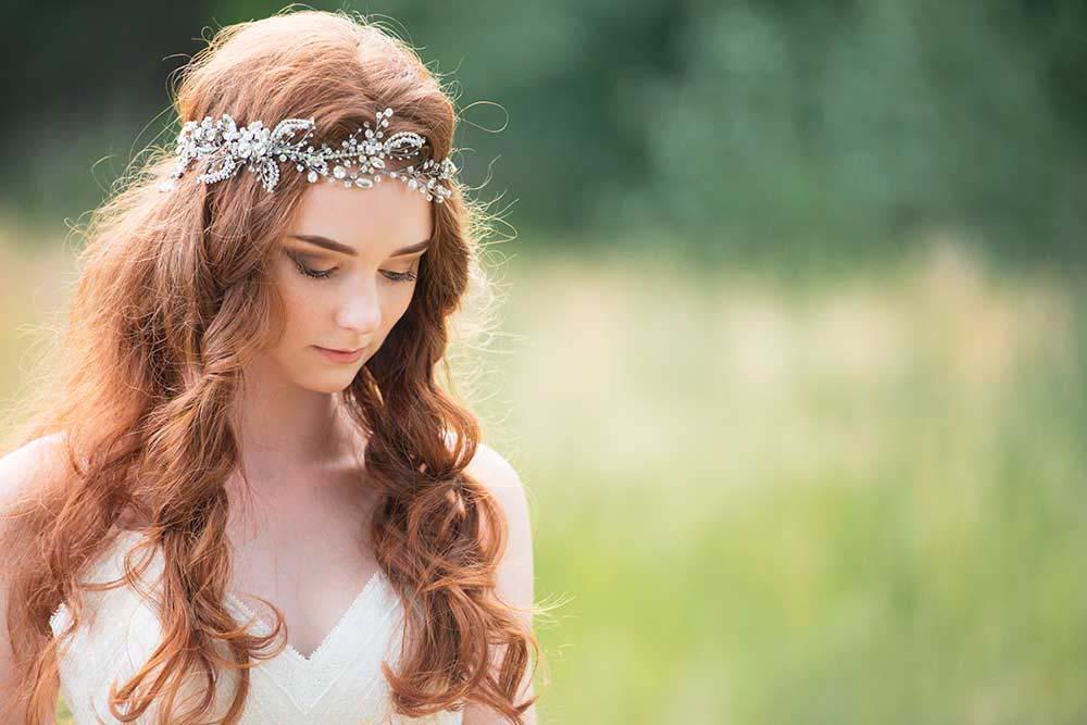 Cinta de novia para el pelo con pedreria