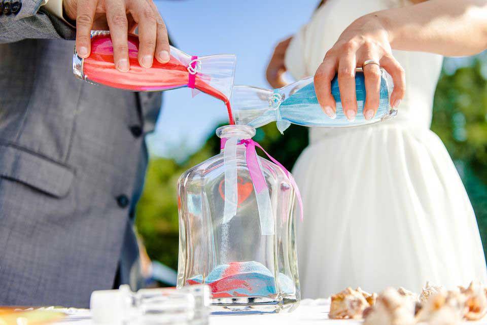 Ceremonia de la arena en las bodas civiles